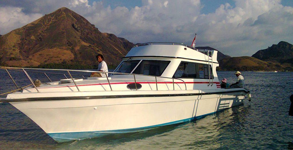 speed boat komodo rinca island