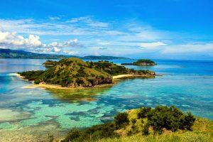 Riung 17 island